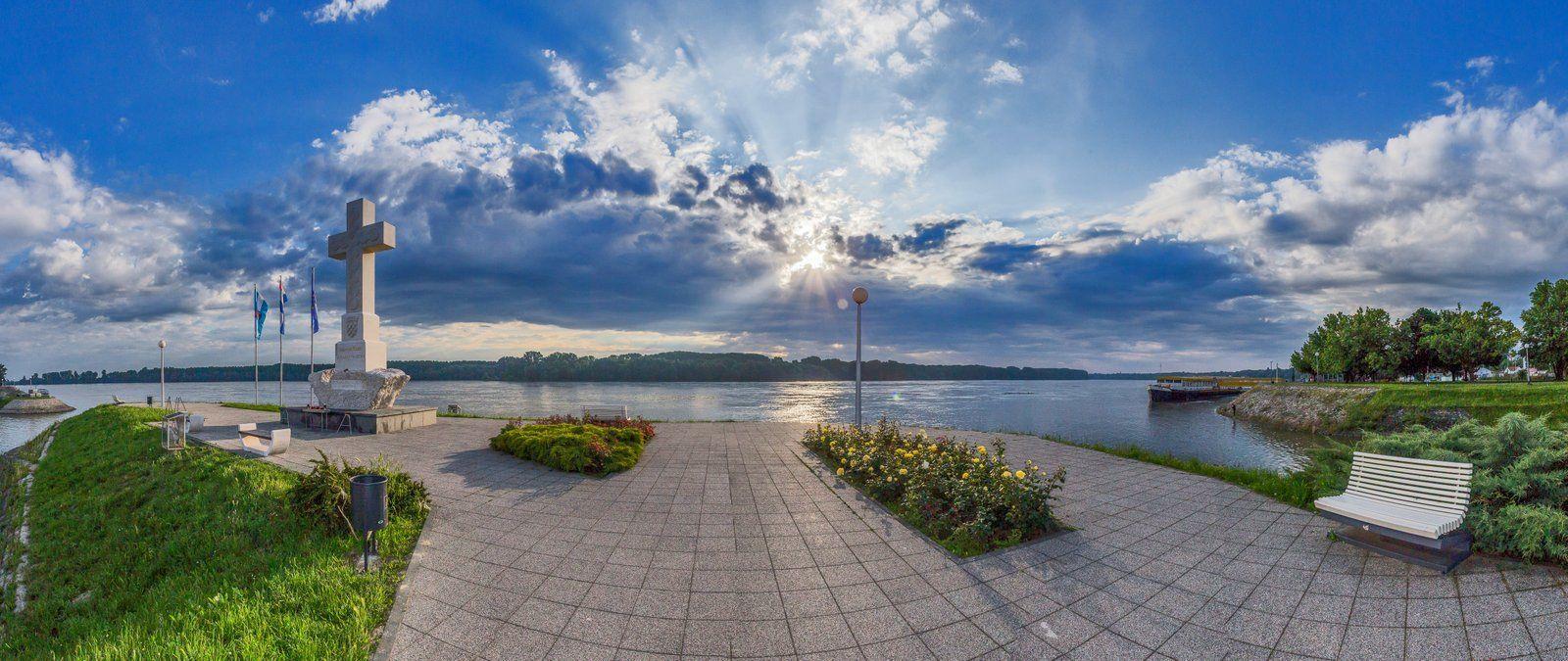 Križ na Dunavu Vukovar